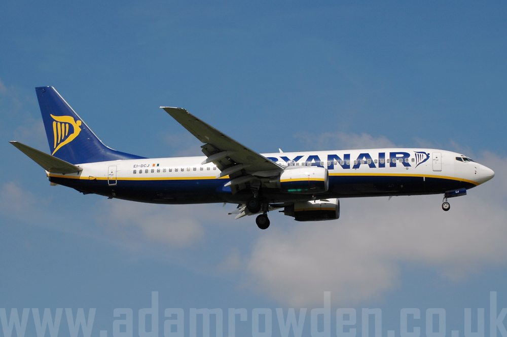 Photo of Ryanair Boeing 737-8AS EI-DCJ (cn 33564/1562) at London Stansted Airport (STN) on 15th August 2005