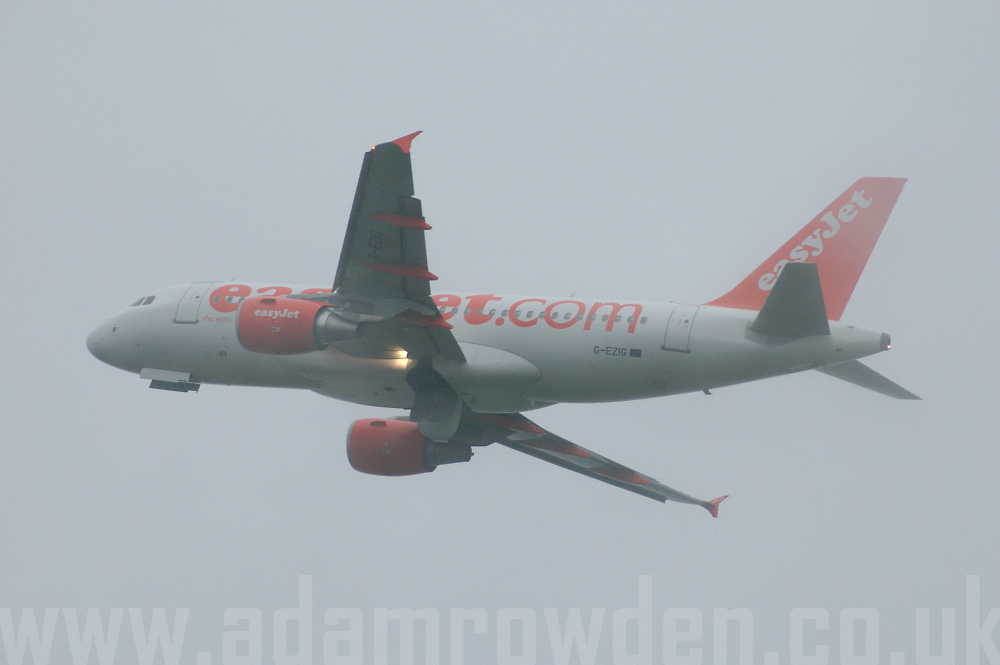Photo of easyJet Airbus A319-111 G-EZIG (cn 2460) at London Stansted Airport (STN) on 22nd August 2005