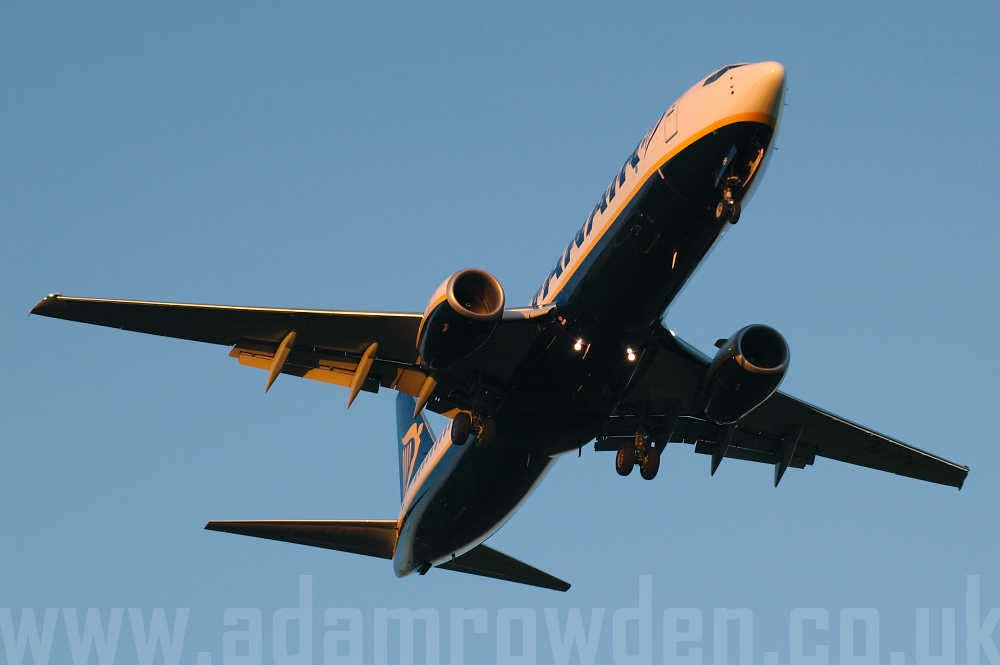 Photo of Ryanair Boeing 737-8AS EI-DCR (cn 33811/1613) at London Stansted Airport (STN) on 25th September 2005