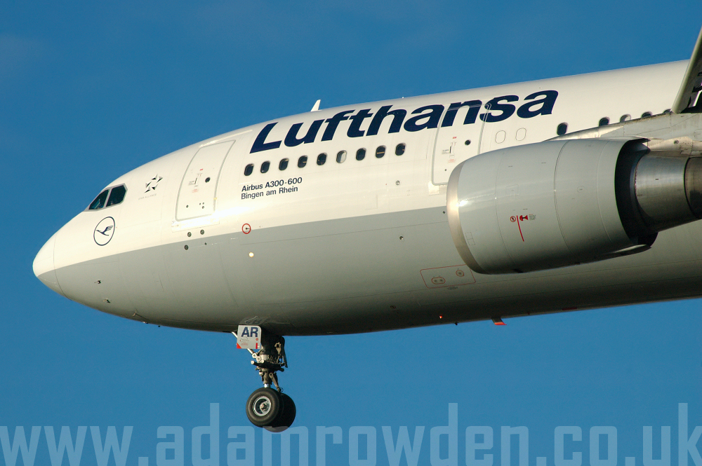 Photo of Lufthansa Airbus A300B4-605R D-AIAR (cn 546) at London Heathrow Airport (LHR) on 9th February 2006