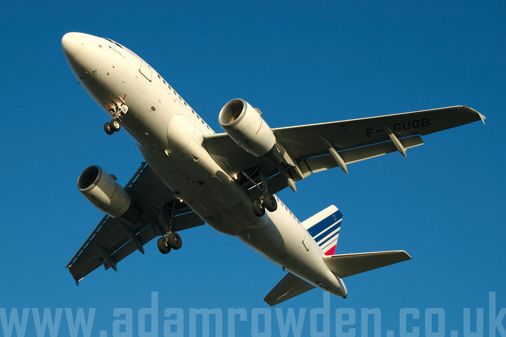 Photo of Air France Airbus A318-111 F-GUGB (cn 2059) at London Heathrow Airport (LHR) on 9th February 2006