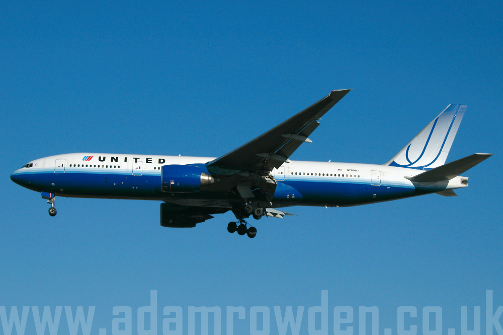 Photo of United Airlines Boeing 777-222 N769UA (cn 26921/012) at London Heathrow Airport (LHR) on 9th February 2006