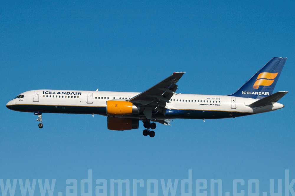 Photo of Icelandair Boeing 757-208 TF-FIO (cn 29436/859) at London Heathrow Airport (LHR) on 9th February 2006