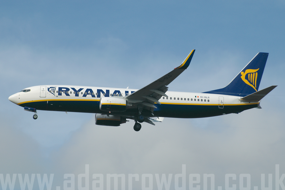 Photo of Ryanair Boeing 737-8AS(W) EI-DLG (cn 33589/1869) at London Stansted Airport (STN) on 18th February 2006