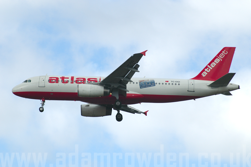 Photo of AtlasJet Airbus A320-232 TC-OGI (cn 640) at London Stansted Airport (STN) on 29th March 2006