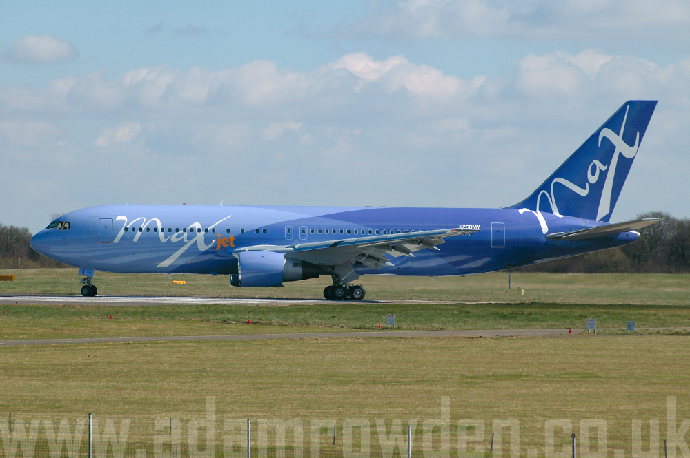 Photo of MAXjet Airways Boeing 767-205EM N260MY (cn 23057/081) at London Stansted Airport (STN) on 5th April 2006