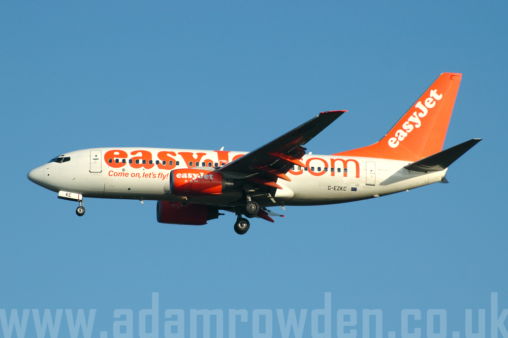 Photo of easyJet Boeing 737-73V G-EZKC (cn 32424/1450) at London Stansted Airport (STN) on 12th April 2006