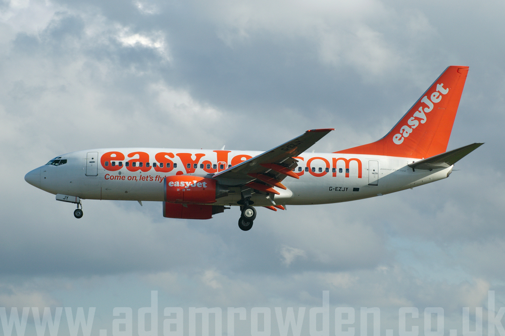 Photo of easyJet Boeing 737-73V G-EZJY (cn 32420/1341) at Newcastle Woolsington Airport (NCL) on 19th April 2006
