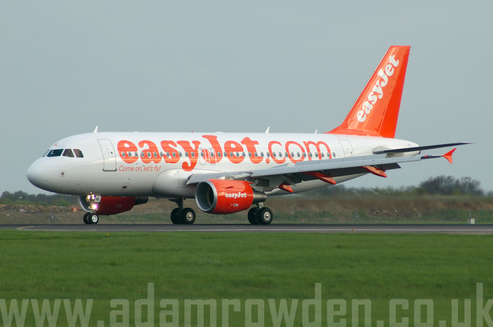 Photo of easyJet Airbus A319-111 G-EZAL (cn 2754) at London Stansted Airport (STN) on 29th April 2006