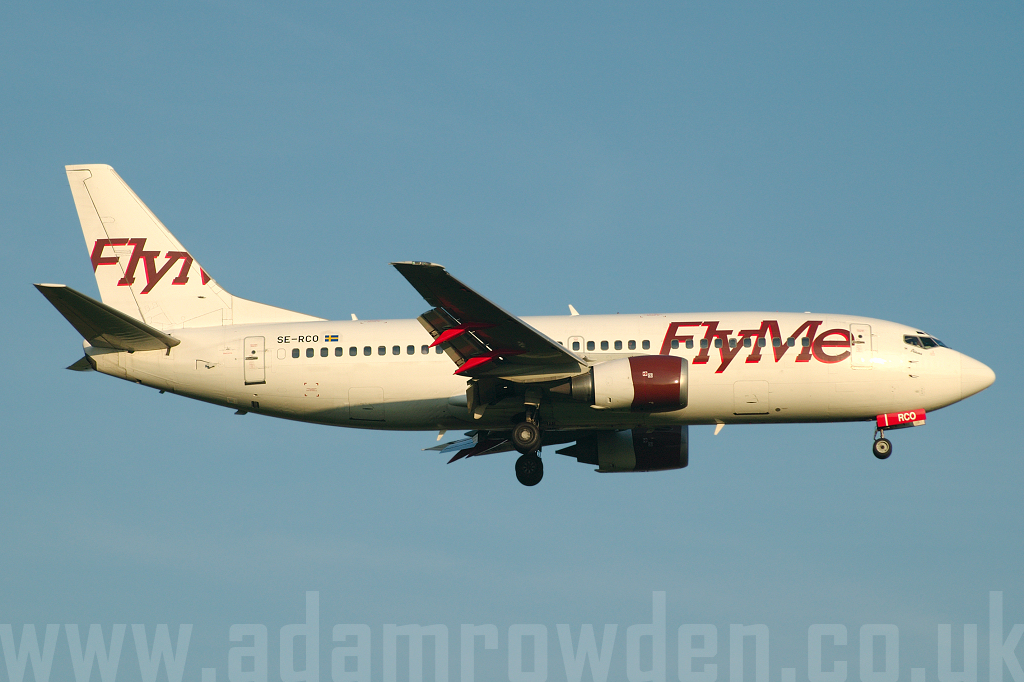 Photo of FlyMe Boeing 737-33A SE-RCO (cn 23635/1436) at London Stansted Airport (STN) on 3rd May 2006