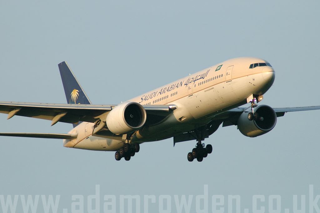 Photo of Saudi Arabian Airlines Boeing 777-268ER HZ-AKH (cn 28351/124) at London Stansted Airport (STN) on 25th May 2006