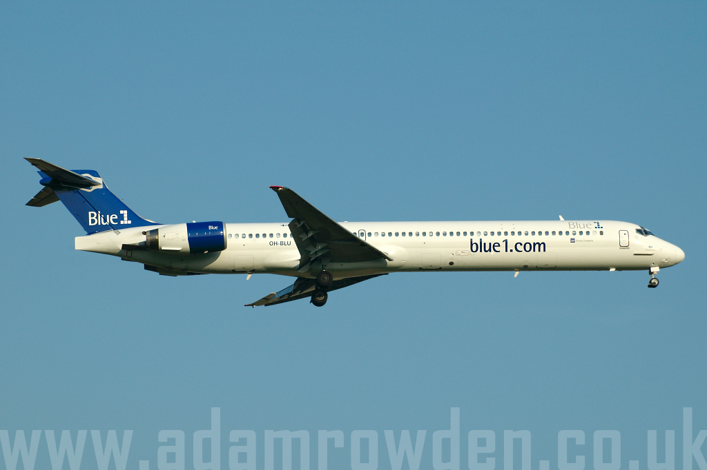 Photo of Blue1 McDonnell Douglas MD-90-30 OH-BLU (cn 53458/2140) at London Stansted Airport (STN) on 30th June 2006