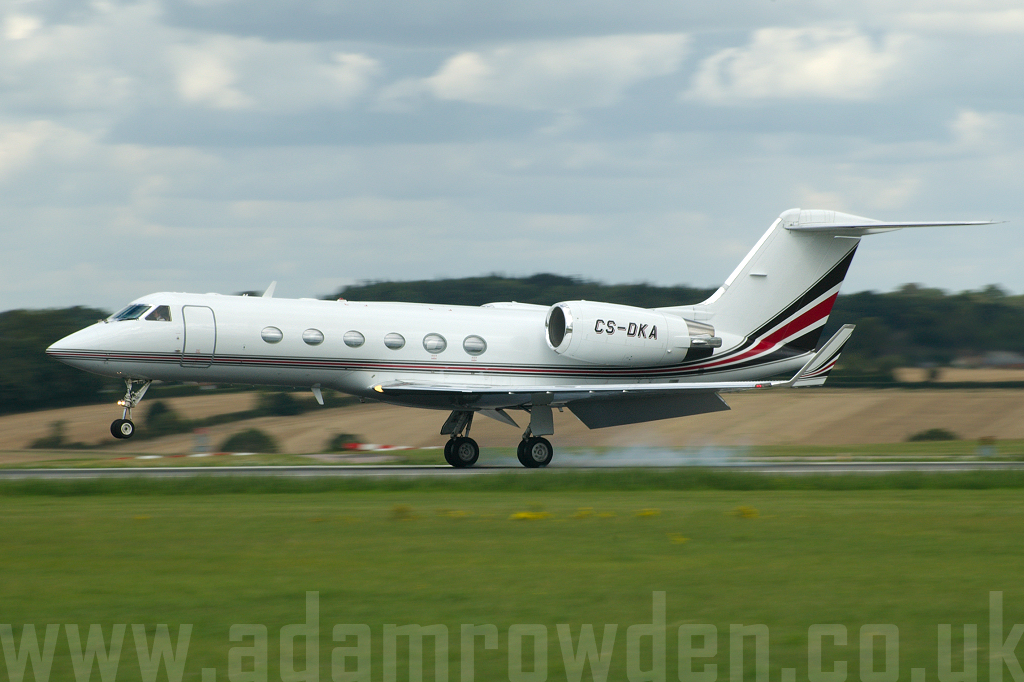 Photo of NetJets Europe Gulfstream Aerospace Gulfstream G-IV SP CS-DKA (cn 1480) at London Luton Airport (LTN) on 29th August 2006
