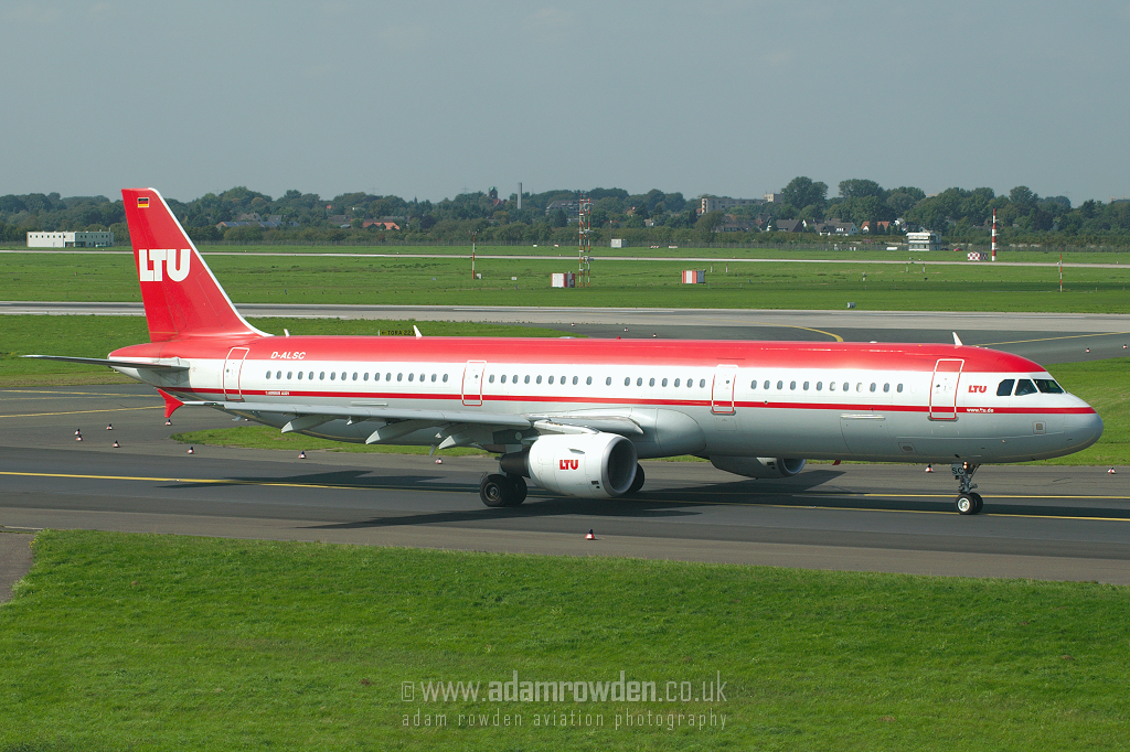 Photo of LTU Airbus A321-211 D-ALSC (cn 2005) at Dusseldorf International Airport (DUS) on 6th September 2006