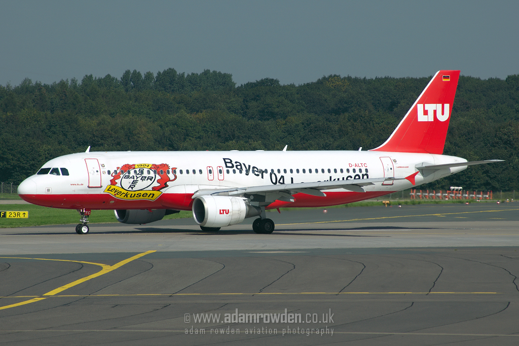 Photo of LTU Airbus A320-214 D-ALTC (cn 1441) at Dusseldorf International Airport (DUS) on 6th September 2006