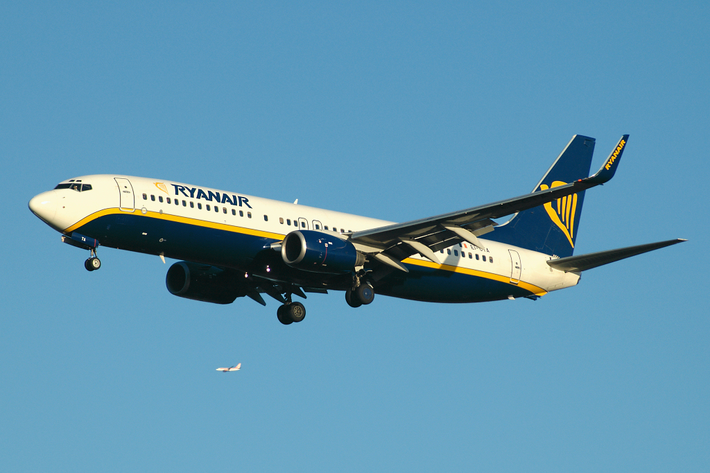 Photo of Ryanair Boeing 737-8AS(W) EI-CTA (cn 29936/1236) at London Stansted Airport (STN) on 30th December 2006