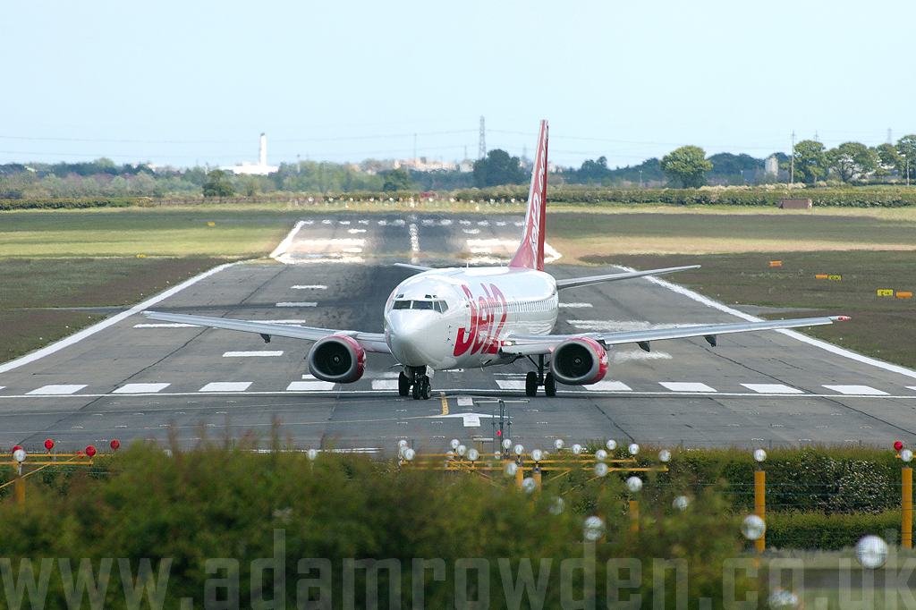 Photo of Jet2 Boeing 737-33A(QC) G-CELO (cn 24028/1599) at Newcastle Woolsington Airport (NCL) on 26th May 2007