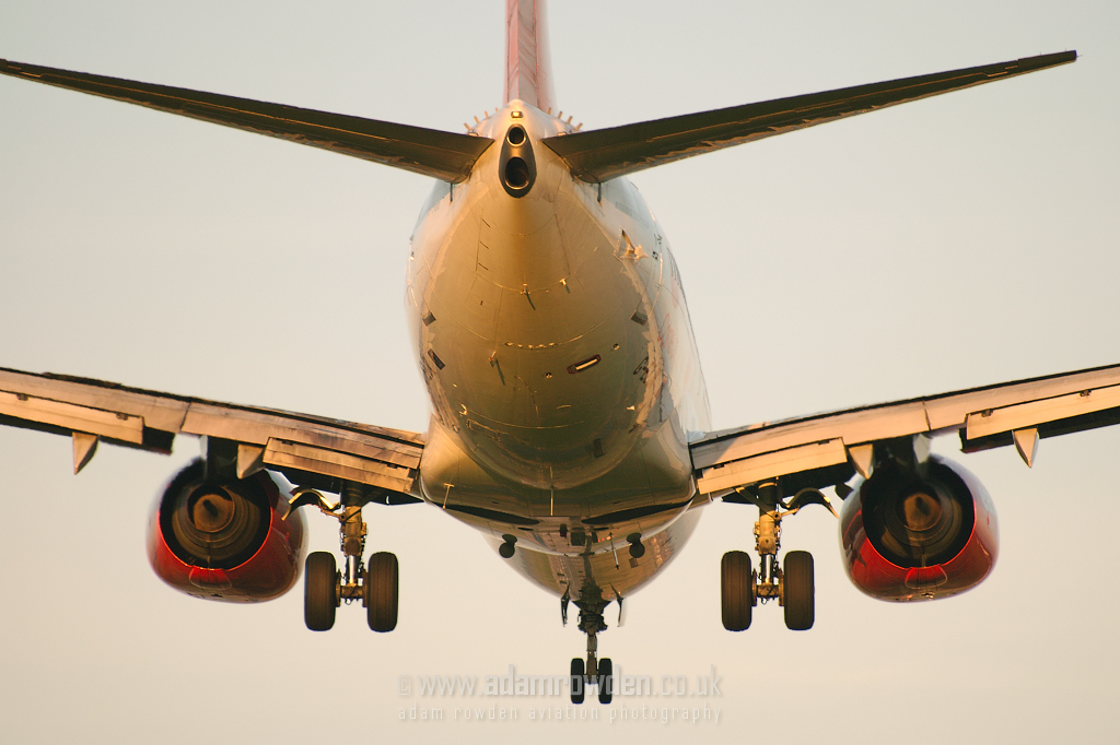 Photo of easyJet Boeing 737-73V G-EZJK (cn 30246/1064) at Newcastle Woolsington Airport (NCL) on 5th October 2007