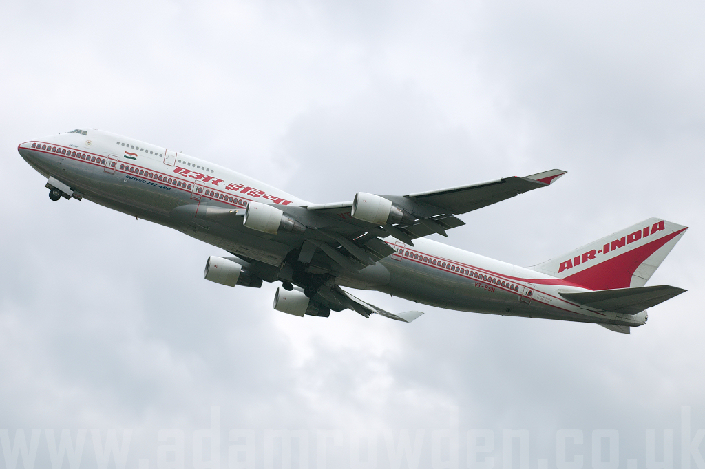 Photo of Air India Boeing 747-437 VT-ESN (cn 27164/1003) at London Heathrow Airport (LHR) on 18th March 2008