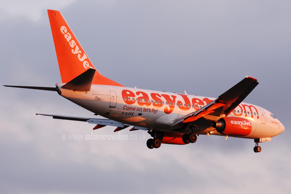 Photo of easyJet Boeing 737-73V G-EZKE (cn 32426/1474) at Newcastle Woolsington Airport (NCL) on 15th April 2008