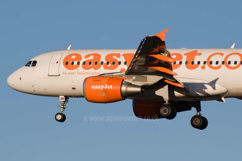 Photo of easyJet Airbus A319-111 G-EZAM (cn 2037) at Newcastle Woolsington Airport (NCL) on 3rd December 2008
