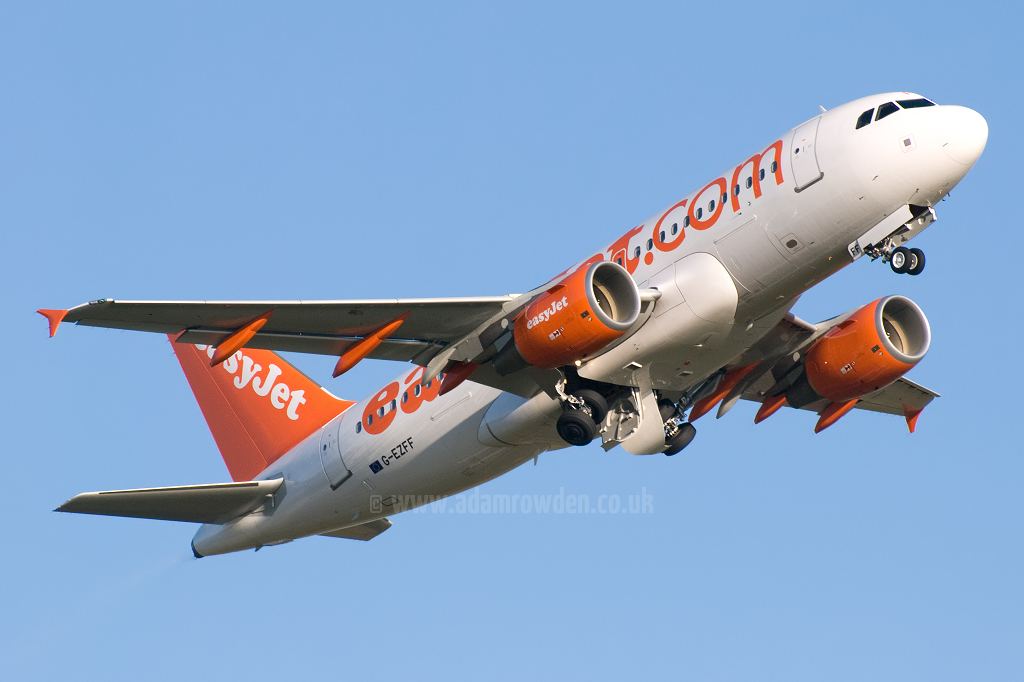Photo of easyJet Airbus A319-111 G-EZFF (cn 3844) at Newcastle Woolsington Airport (NCL) on 13th May 2009